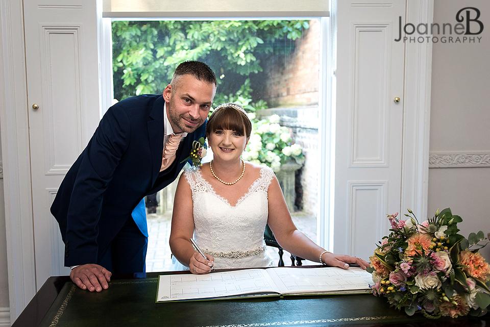 york-registry-office-wedding-photographer-york-registry-wedding-photography-22