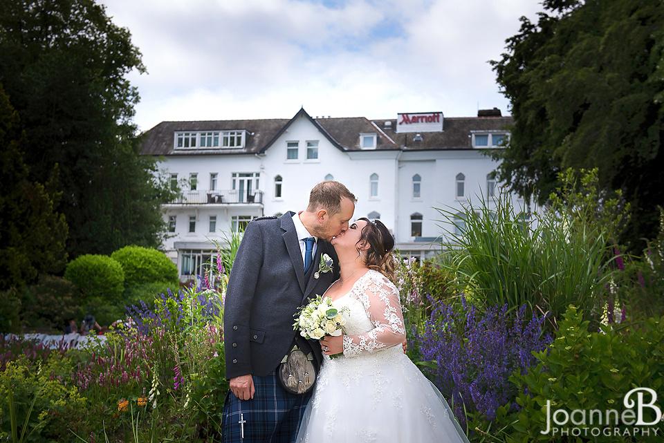 marriott-weddings-york-wedding-photographer-marriot-09