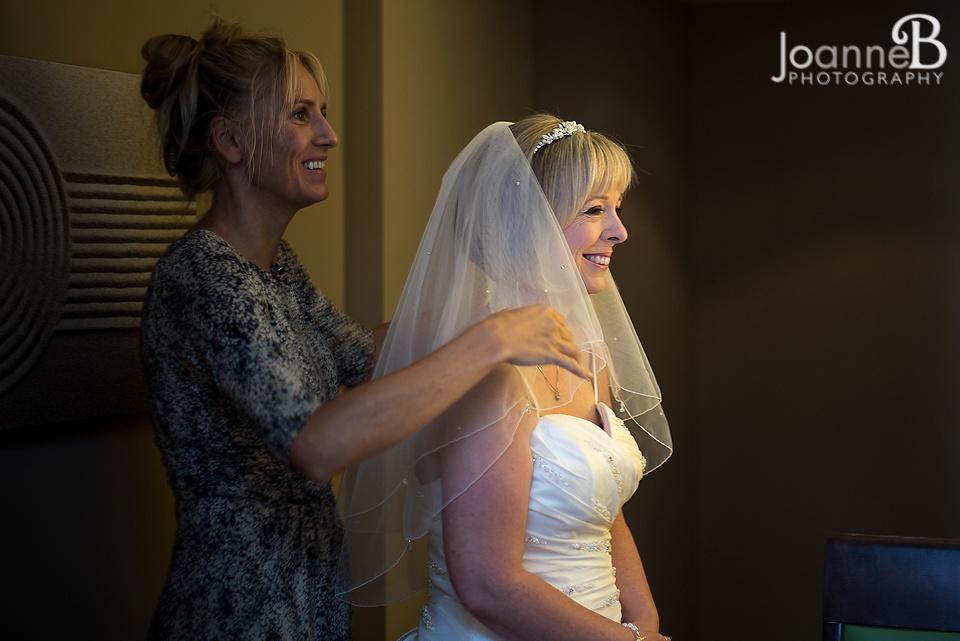 marriott-weddings-york-wedding-photographer-marriot-16