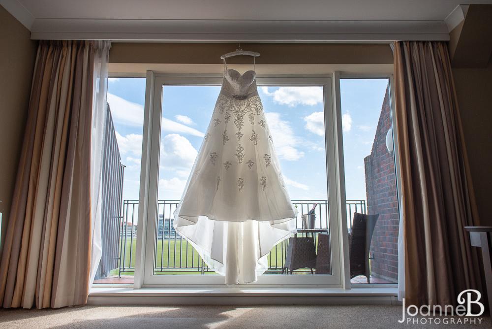 marriott-weddings-york-wedding-photographer-marriot-23