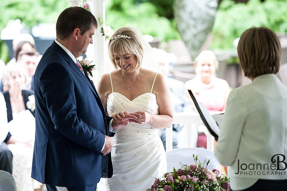 marriott-weddings-york-wedding-photographer-marriot-18